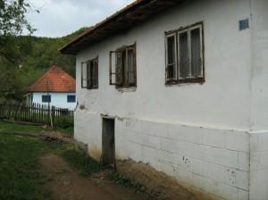 1    Huis met veel kapotte ramen