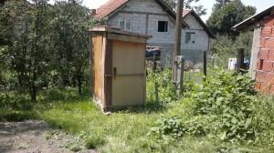 Dit is de 'wc' van Zavet, gat in de grond